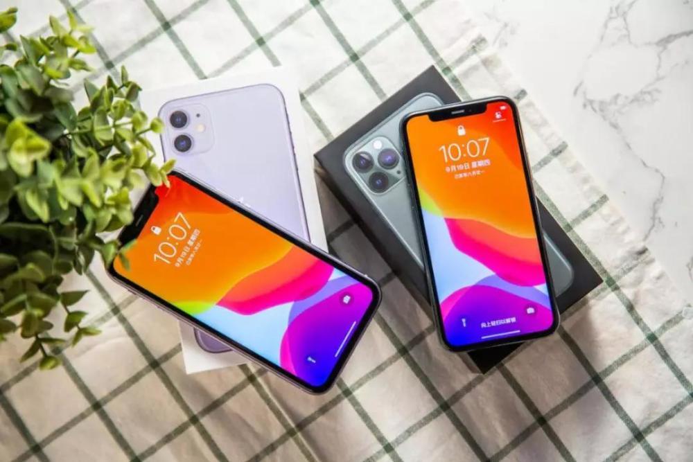 iPhone屏幕维修师:手机屏幕的LCD屏和OLED屏到底有什么区别?该选哪一种?