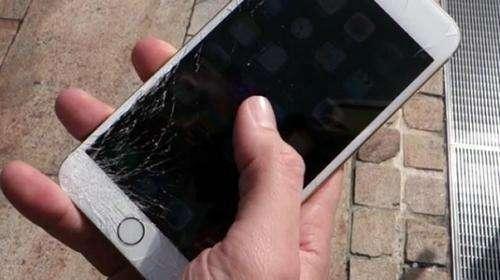 上海极客修工程师:手机屏幕摔碎有没有必要维修?有哪些注意事项?